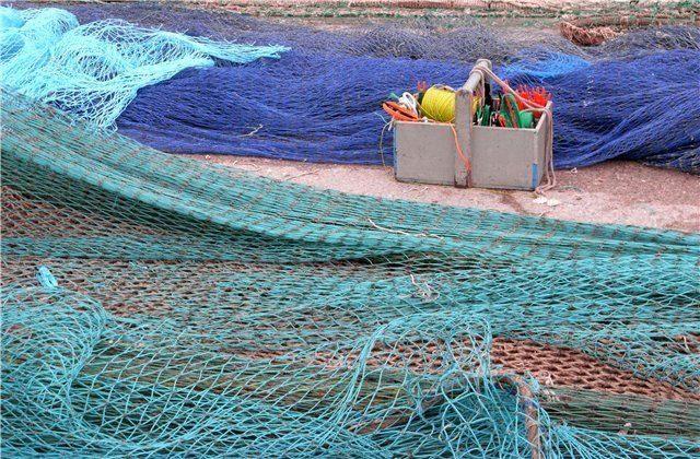 как залатать дырку в рыболовной сети видео
